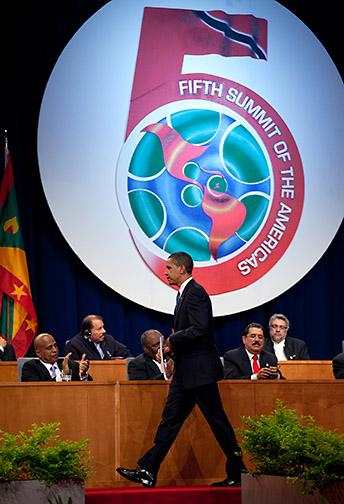This photo shows the number 5 in the background behind Barack Obama at the fifth Summit of the Americas opening ceremony in 2009.